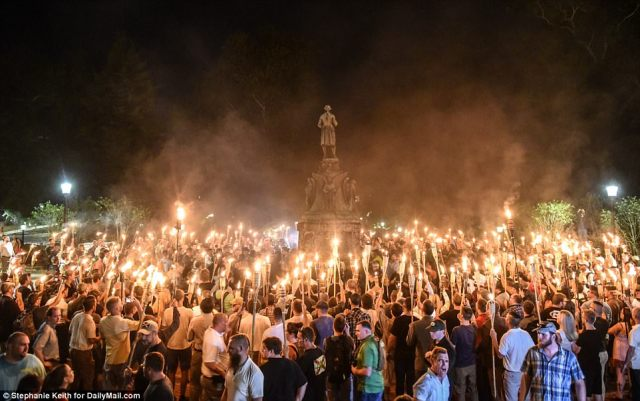 432E865800000578-4783914-Hundreds_of_white_nationalists_marched_through_the_University_of-m-50_1502515436869